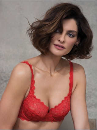Eglantine Valencia Red