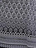 019-34 fond noir